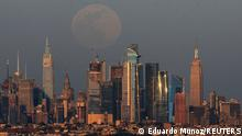 Supermoon Weltweit | USA, New York | Tableau 27.04.21