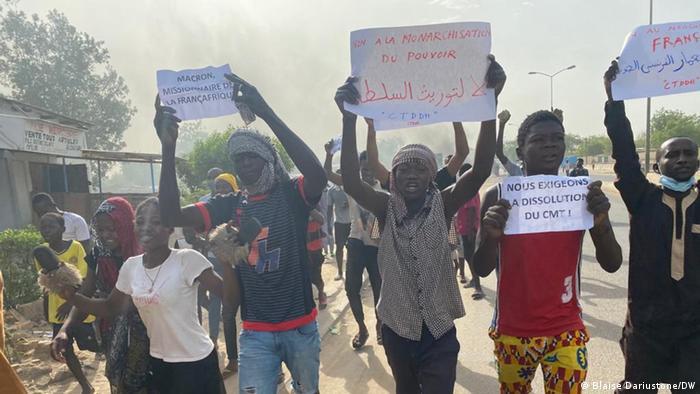 Manifestantes en la capital de Chad.