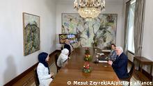 Deutschland, Berlin | Bundespräsident Steinmeier emfängt Sozialdienst muslimischer Frauen (SmF)