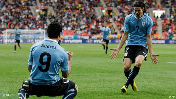 Flash-Galerie Fußball WM 2010 Südafrika Achtelfinale Uruguay vs Südkorea Tor Suarez (AP)