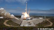The NASA/German Research Centre for Geosciences GRACE Follow-On spacecraft launch onboard a SpaceX Falcon 9 rocket, Tuesday, May 22, 2018, from Space Launch Complex 4E at Vandenberg Air Force Base in California. The mission will measure changes in how mass is redistributed within and among Earth's atmosphere, oceans, land and ice sheets, as well as within Earth itself. GRACE-FO is sharing its ride to orbit with five Iridium NEXT communications satellites as part of a commercial rideshare agreement. Photo Credit: (NASA/Bill Ingalls)
