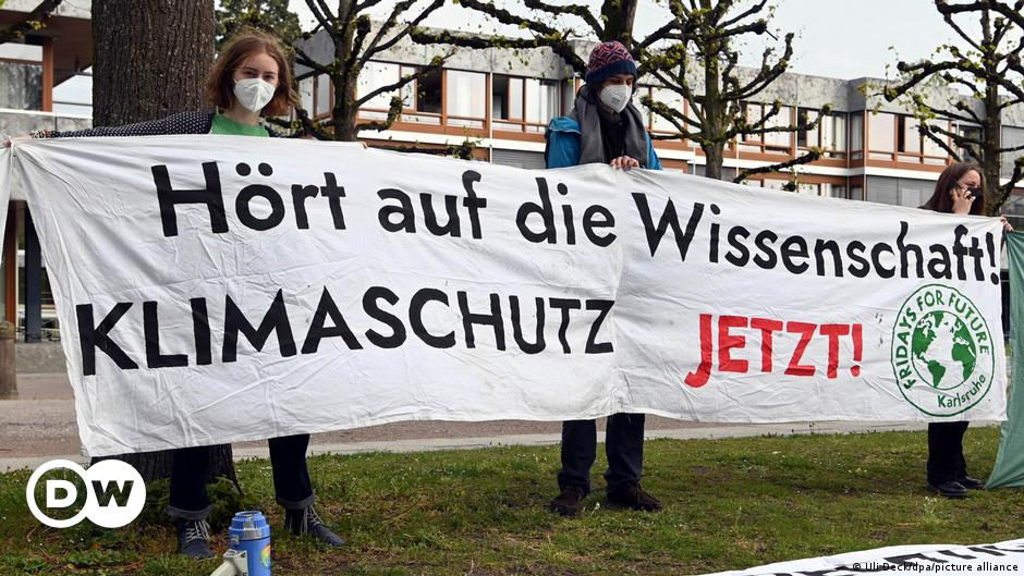 German climate law is partly unconstitutional, top court rules | DW | 29.04.2021