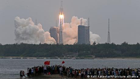 China Raketenstart Long March-5B Y2
