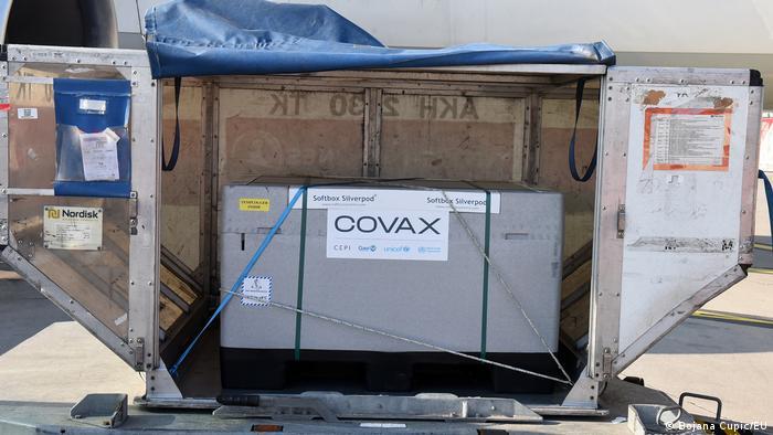 Montenegro | Covax Lieferung aus Montenegro, Podgorica