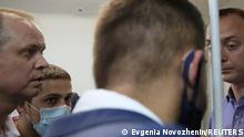 ARCHIV 2020 *** Ivan Pavlov (L), lawyer of a former journalist and an aide to the head of Russia's space agency Roscosmos Ivan Safronov detained on suspicion of treason, attends a court hearing in Moscow, Russia July 7, 2020. Picture taken July 7, 2020. REUTERS/Evgenia Novozhenina