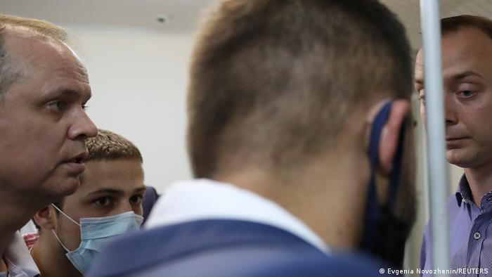 Адвокат Иван Павлов и его подзащитный журналист Иван Сафронов