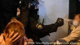 Правозащитники ООН критикуют жестокое обращение с протестующими и пытки в Беларуси