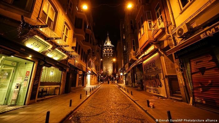 Noćna zabrana izlaska u Isanbulu