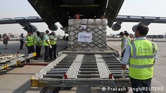 美国提供的救援物资抵达印度