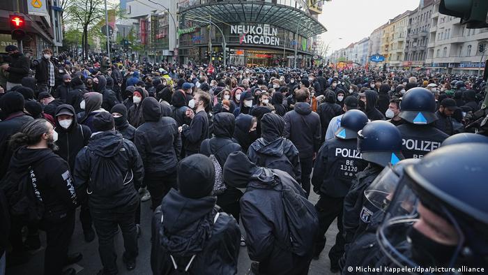 Початок першотравневої демонстрації у Берліні
