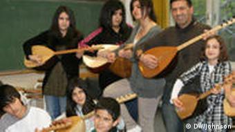 Μάθημα μπαγλαμά σε μουσική σχολή στο Ντούιζμπουργκ