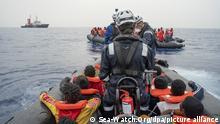 Sea-Watch rettet Bootsmigranten im zentralen Mittelmeer