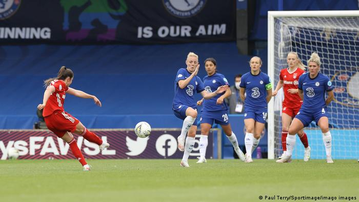 Sarah Zadrazil of Bayern Munich scores the equalising goal during the UEFA Women s Champions League