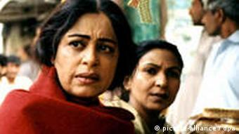 A scene from Sabiha Sumar's critically-acclaimed movie Khamosh Pani (2003)