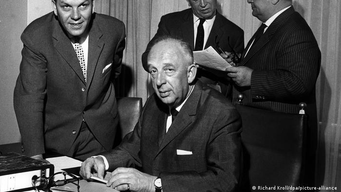 هرمان گُوسمان (Hermann Gösmann) از سال ۱۹۶۲ تا ۱۹۷۵ رئیس فدراسیون فوتبال آلمان بود. در دوران رهبری گُوسمان، رقابتهای بوندسلیگای آلمان در سال ۱۹۶۳ راهاندازی شد و تیم ملی فوتبال آلمان نیز در سال ۱۹۷۴ به عنوان قهرمانی فوتبال جهان دست یافت.