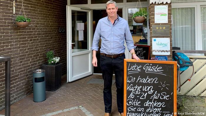 Marco Los, ein Hotelier im Strand Hotel in Nordfriesland, ist aus dem Geschäft