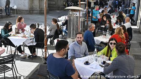 Ιταλία: Μόνο με πάσο πια σε κλειστούς χώρους