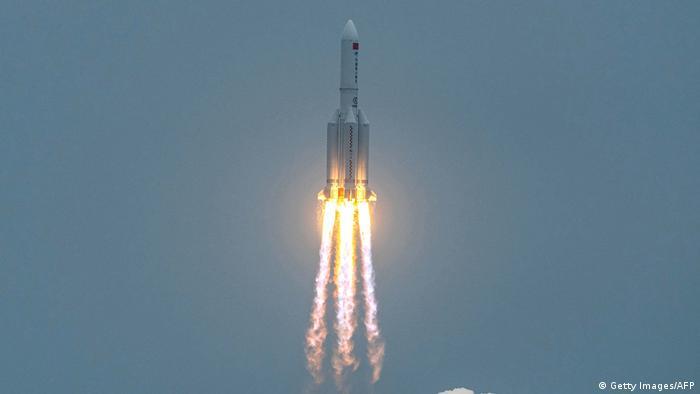 Китайская ракета-носитель Чанчжэн-5В (фото из архива)