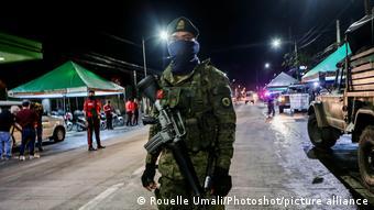 Philippinen | Coronavirus | Soldat in Valenzuela City
