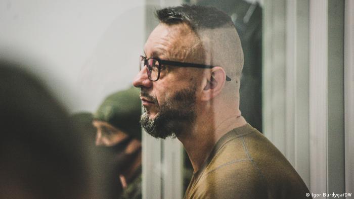 Один з підозрюваних у вбивстві Павла Шеремета Андрій Антоненко у залі суду, 5 травня 2021 року