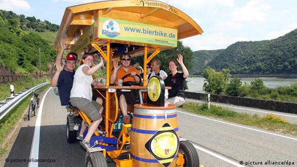 BierBike Bier Fahrrad Gruppe Flash-Format