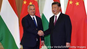 Viktor Orban et Xi Jinping lors d'une rencontre en 2019