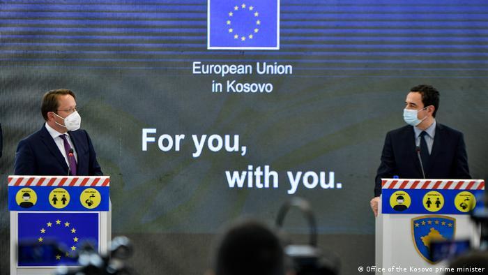 Kosovo Pristina | Pressekonferenz Oliver Varhelyi und Albin Kurti