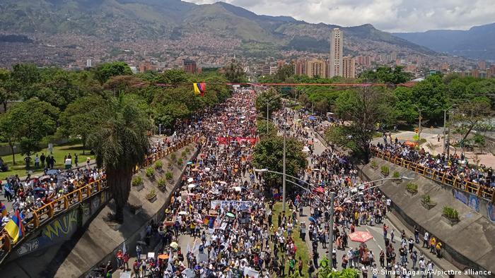 Kolumbien | Kolumbianer protestieren weiterhin gegen Duques Regierung und Polizeimissbrauch
