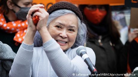 Tran To Nga bei einer Demonstartion in Paris (30.01.2021)