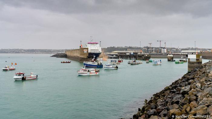 Kutry przy wyjściu z portu