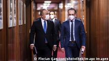 Berlin Außenminister Heiko Maas (L) und Mevluet Cavusoglu