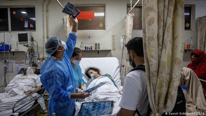 Yeni Delhi'de bir hastane