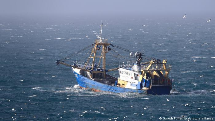 Symbolbild Konflikt Frankreich Großbritannien  Ärmelkanal Fischerboot