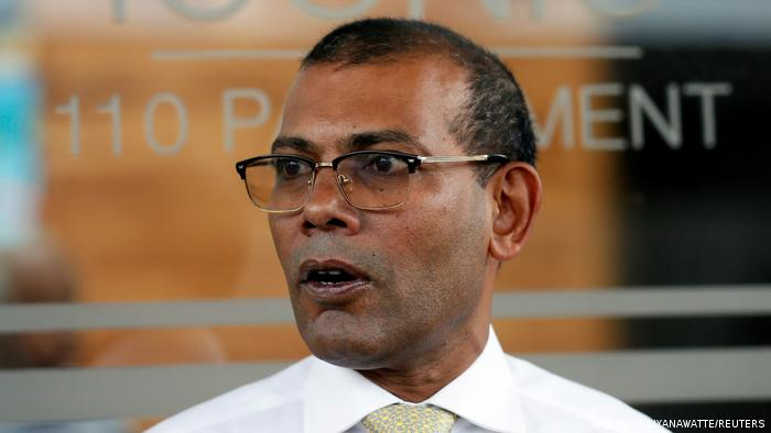 Maldives former President Mohamed Nasheed leaves a private apartment in Sri Lanka to return in his country