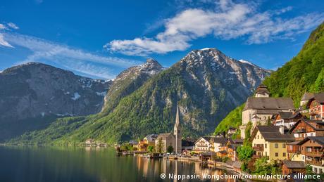 Österreich Hallstatt Berge und See