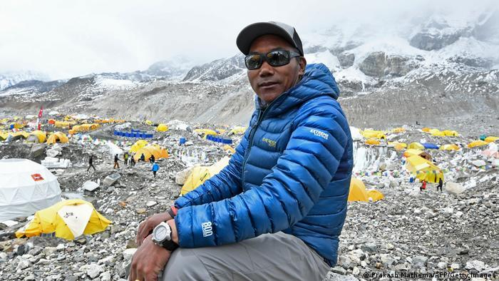 Nepali Climber Summits Everest 25Th Time, Breaks Record   News   Dw    07.05.2021