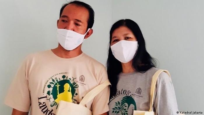 Katedral Jakarta juga mempromosikan penggunaan tas ekologi sebagai bagian dari upaya pelestarian lingkungan