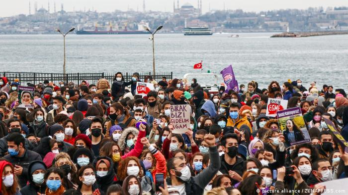Protest against the withdrawal of the Istanbul Convention in Turkey - 20 Mar 2021