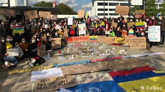 Con pancartas y comunicados, los manifestantes han llamado a las organizaciones internacionales en Alemania a pronunciarse sobre los hechos de violencia denunciados en Colombia.