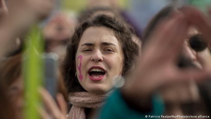 Foto simbólica de una protesta contra la violencia machista en Madrid