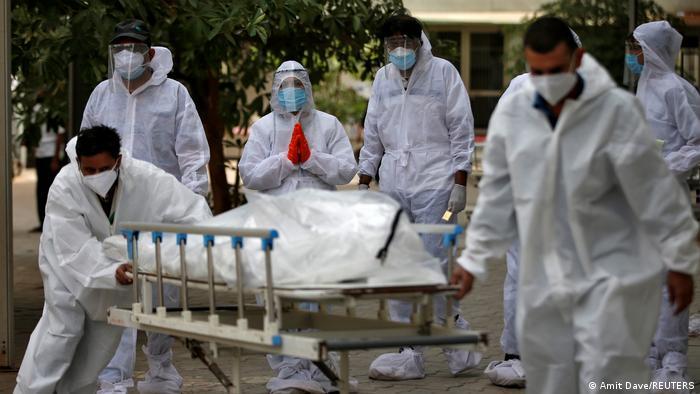 Indien Ahmedabad   Coronavirus, Begräbnisse