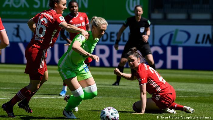 Fußball, Frauen   VfL Wolfsburg - Bayern München
