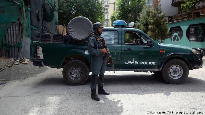 EE. UU. anunció de forma abrupta su retirada completa de Afganistán, lo que ha llevado a explosiones sucesivas en muchas partes de ese país, indicó la portavoz de Exteriores china.