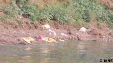 Indien Ungefähr 45 zersetzte Leichen wurden im Ganga-Fluss im Buxar-Distrikt von Bihar gefunden