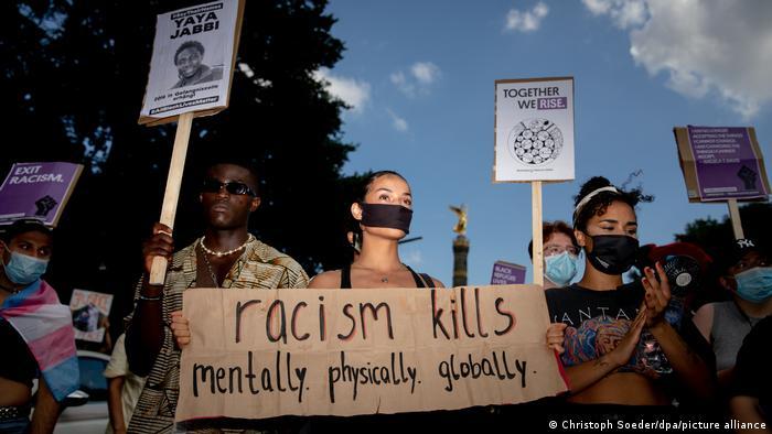 Symbolfoto Antidiskriminierungsgesetz I Antidiskriminierung I Antirassismus