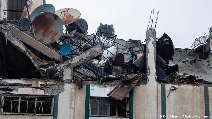 Schwere Schäden auch an Gebäuden des Flüchtlingslagers Al-Shati im Gazastreifen