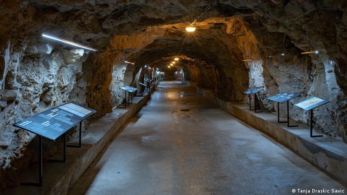 Kroatien unterirdische Tunnel in Pula.