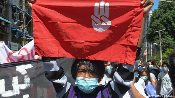 Myanmar Yangon | Proteste gegen Militärputsch