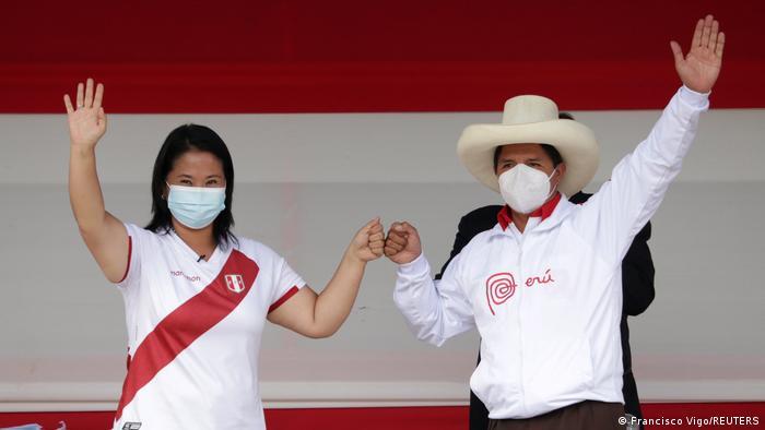 En la segunda vuelta, Castillo ganó el balotaje frente a Keiko Fujimori por escaso margen.
