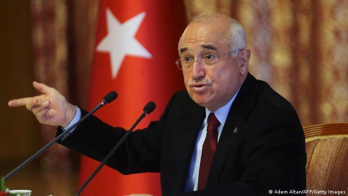 Eski Adalet Bakanı Cemil Çiçek